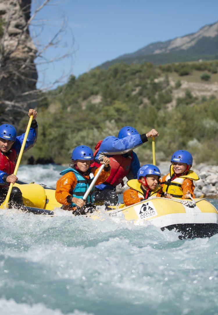 Rafting entre amis à Serre-Ponçon