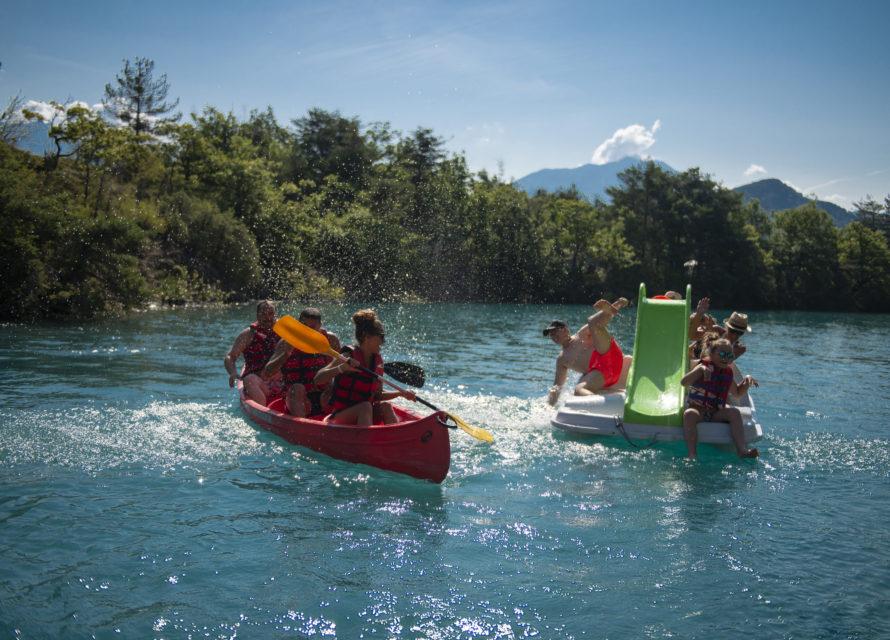 pedalo et canoë kayak en famille