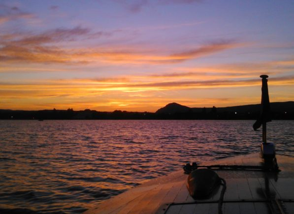 Couché de Soleil sur le lac de serre-ponçon