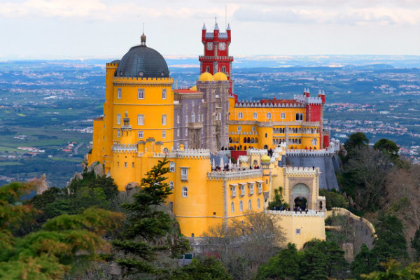 Full Day Guided Tour to Sintra & Cascais
