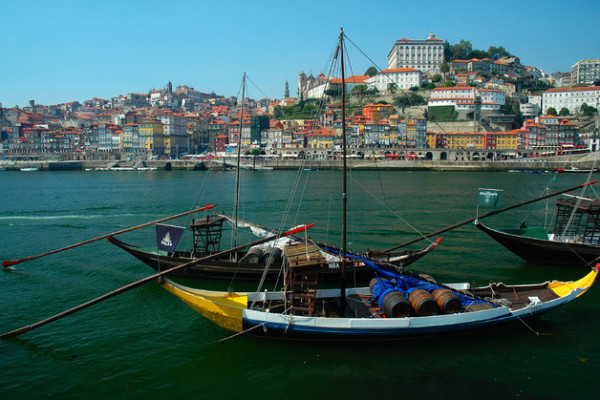 Full Day Guided Tour to Porto