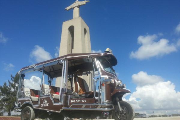 Lisbon Riverside & Cristo rei Tuk Tuk Tour