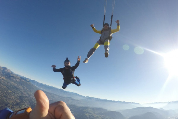 Saut d'initiation en parachute